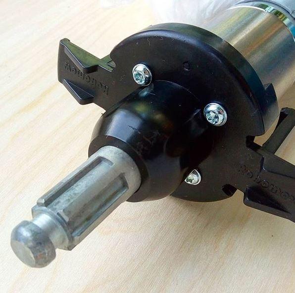 Двигатель колес для робота-газонокосилки